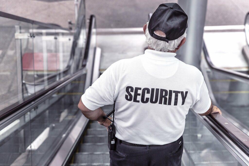 Bild Stellenangebot Sicherheit Becker Personal + Perspektiven
